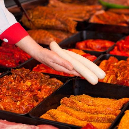 Grillfleisch und Würstchen im Hofladen Wulhorst Waltrop